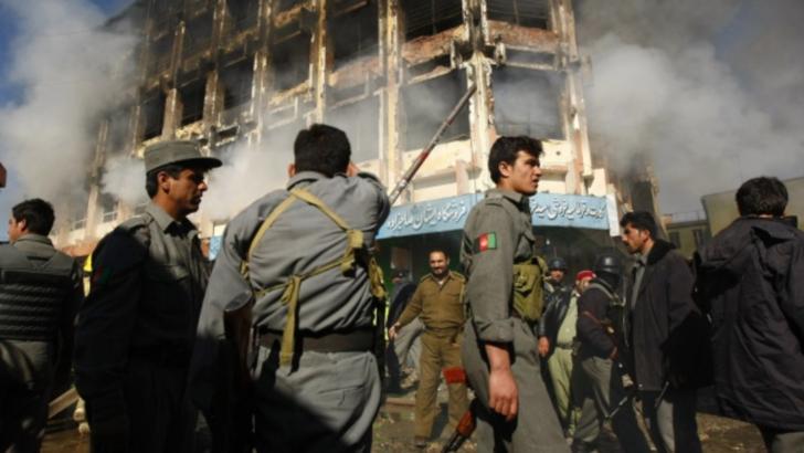 23 de oamnei ucisi in 24 de ore, in Afganistan