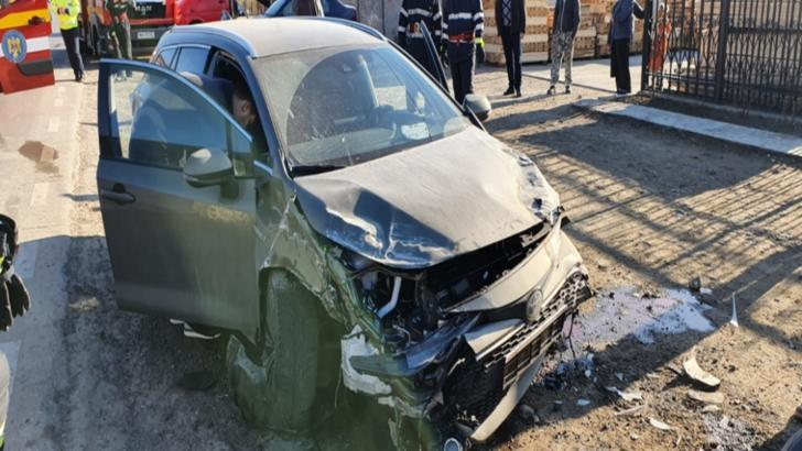 Accident grav, în jud. Vaslui: o victimă, patru mașini făcute praf