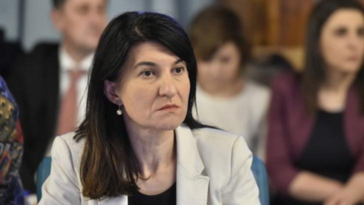Dezastru pe piața muncii! 400.000 de contracte de muncă au fost SUSPENDATE în România