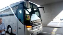 Autocar sosit din Italia