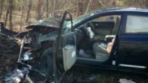 A sfidat moartea, într-un accident oribil! Polițiștii, șocați de ce au găsit acolo: ce făcea șoferița