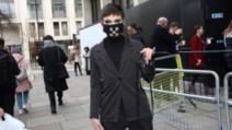 Masca pentru coronavirus, noul accesoriu în vogă Foto: www.dailymail.co.uk