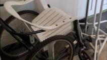 scaunul cu rotile