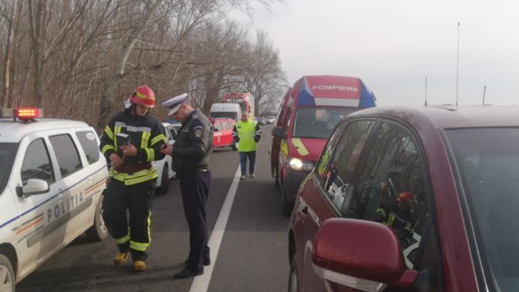 COD ROȘU de intervenție într-un accident rutier în apropiere de Albița: 7 victime