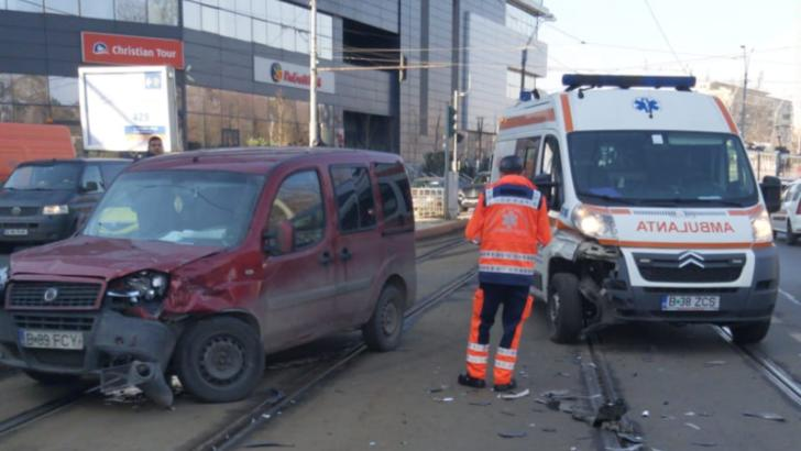 bucuresti ambulanta accident auto