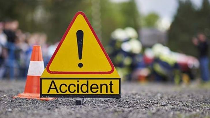 Accident grav, în Prahova. Autobuz cu muncitori, LOVIT în plin: o victimă