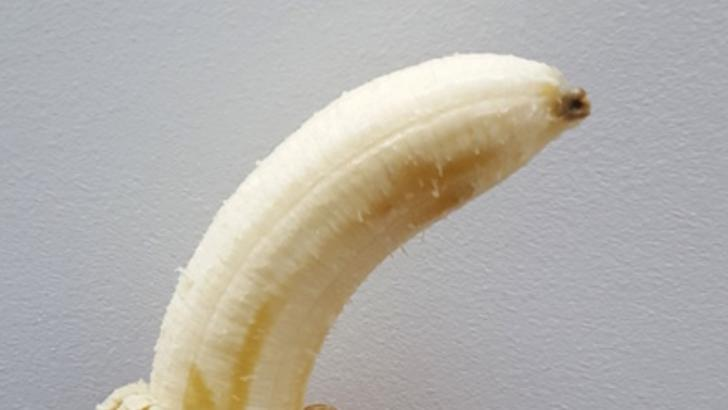 Tu mananci varful bananei? Uite la ce riscuri te expui - Sfatul specialistilor