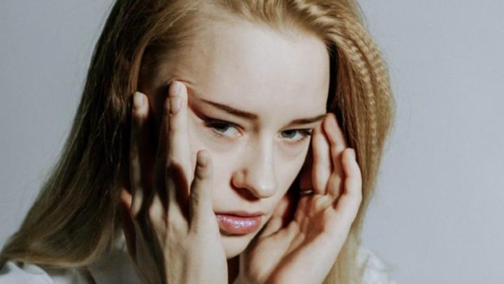 Obiceiul nociv care îți distruge creierul