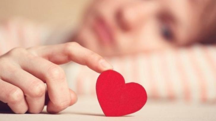 Cum ascund bărbații că te iubesc, în funcție de zodie