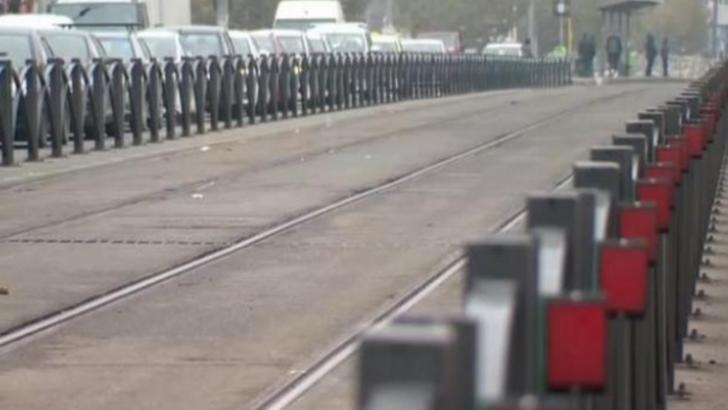 Orban a pus gând rău gardurilor separatoare pentru tramvaie. Cum îi răspunde Firea