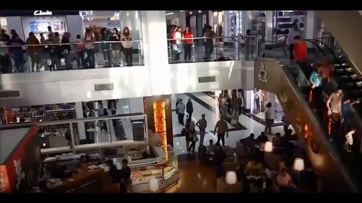 Alertă falsă cu bombă la un mall din Capitală! Pirotehniştii și SRI au făcut cercetări