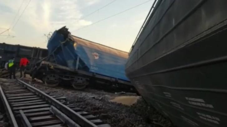 Tren deraiat, în județul Olt. Traficul feroviar este oprit