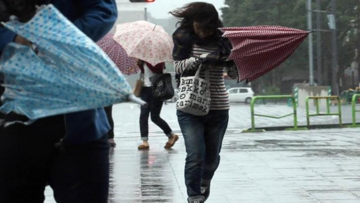 Alertă meteo. COD PORTOCALIU de vânt și viscol. România, lovită de vijelii devastatoare
