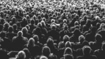 adunarile de peste 1000 interzise