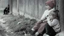 Copiii români, cei mai săraci din UE