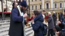 Mitropolia Cluj, după ce zeci de oameni au fost împărtăşiţi cu aceeaşi linguriţă: Sperăm să nu fi avut nimeni coronavirus