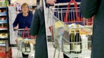 Coronavirus: Angela Merkel, la cumpărături de hârtie igienică și vin Foto: bild.de