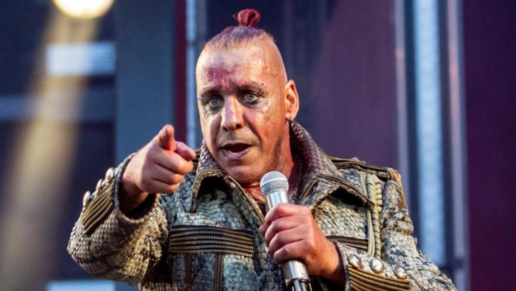 Solistul Rammstein, infectat cu COVID-19