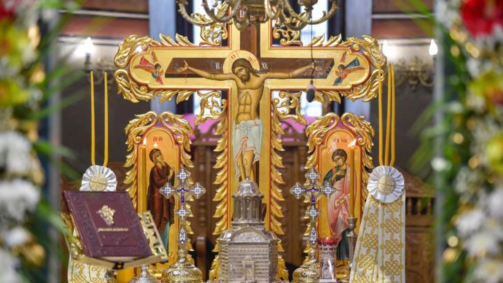Postul Paștelui 2020. Când începe și ce rol are Postul Mare. Ce NU ai voie să faci Foto: Altar Biserica Domnească Curtea Veche/basilica.ro