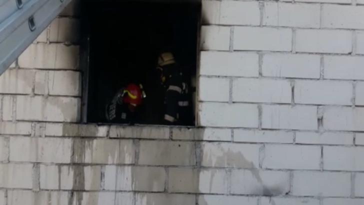 Focul a fost provocat de proprietara, care a încercat să reaprindă focul cu benzină