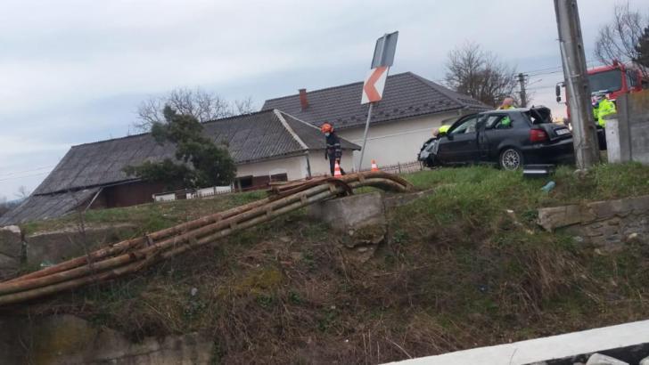 Tragedie în Bistrița: Un copil de 5 ani a murit după ce tatăl său s-a urcat băut la volan și a făcut accident