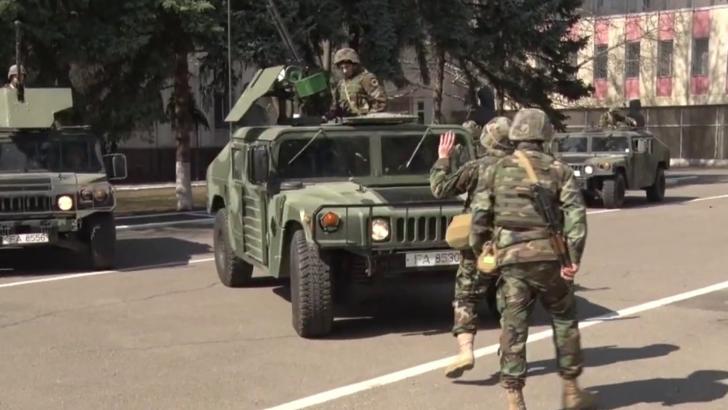 CARANTINĂ TOTALĂ în România. Armata a ieșit din nou în stradă! Toate mașinile sunt oprite și verificate