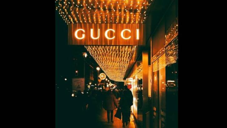 Masuri COVID-19. Cate masti sanitare vor face casele de moda de lux Gucci si Saint Laurent