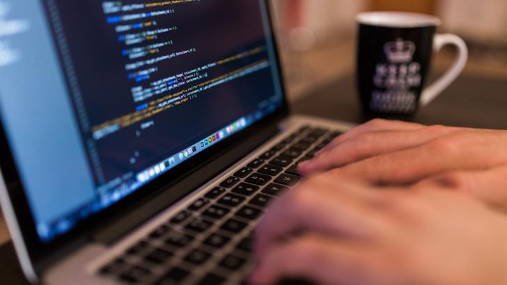 Eurostat: Romania si Bulgaria, pe ultimele locuri la cautarea de informatii medicale pe Internet