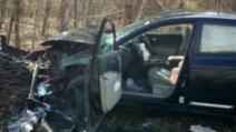 A sfidat moartea, într-un accident cumplit! Polițiștii, șocați de ce au găsit acolo: ce făcuse femeia la volan