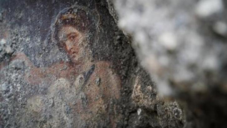 Sex în ruinele din Pompei. Tinerii s-au furişat în interiorul celui mai mare bordel din Pompei