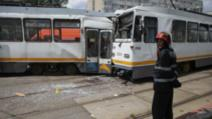 Două tramvaie s-au ciocnit în Capitală. Cinci persoane au fost transportate la spital