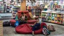 Cum să alegi cel mai confortabil fotoliu pentru citit (P)