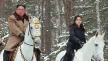 Kim Jong si sotia pe cai