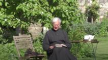 Motanul Leo, nelipsit de lângă reverendul Robert Willis, în grădina Catedralei Canterbury