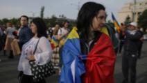 Protest în Piața Victoriei, zeci de oameni contestă măsurile din starea de alertă Foto: Inquam Photo/Octav Ganea