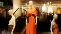 Cum îți comanzi mărimea potrivită la rochii? (P)