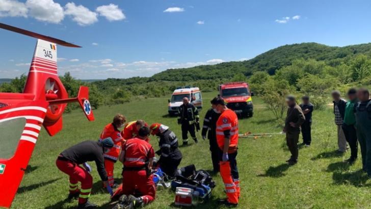 Tânăr de 20 de ani în comă după ce o creangă a căzut peste el, în județul Cluj