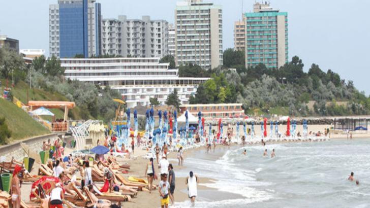 Peste 100 de hoteluri de pe litoral așteaptă turiștii de la 1 iunie, când se deschid terasele