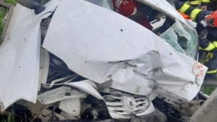 Accident grav la SUCEAVA. O persoană și-a pierdut viața și alte cinci au fost rănite FOTO