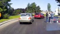 Situație gravă în București, unde mai multe mașini și o motocicletă au fost implicate în accidente în lanț.