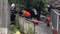 România, măturată de ape: cod portocaliu de inundații
