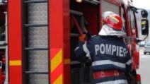 Incendiu puternic, la un depozit de materiale din Buzău. Pompierii, intervenție în forță