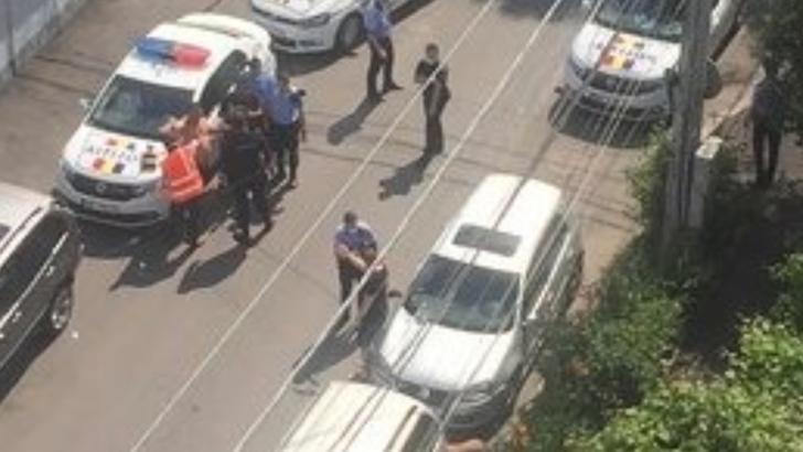 ALERTĂ în Capitală! Împușcături într-o frizerie din Bucureștii Noi, după o reglare de conturi - IMAGINI