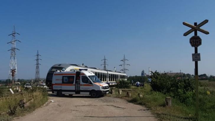 FOTO Femeie accidentată după ce o mașină a fost lovită de un tren de pasageri la Tulcea  Foto: Radio România Constanța