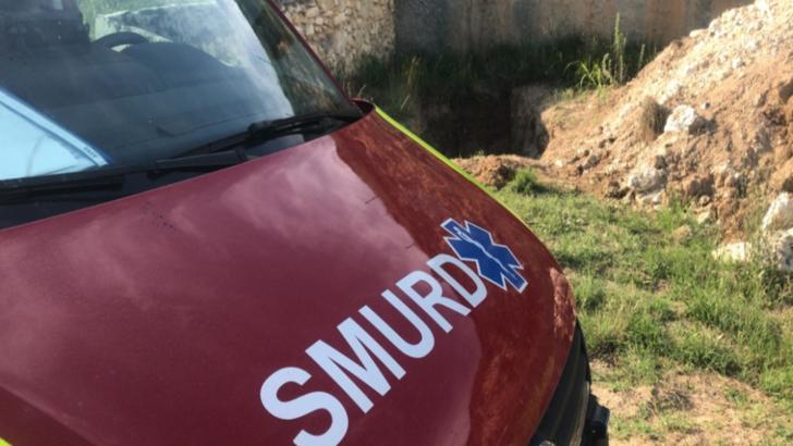 Pompierii au intervenit pentru a salva un copil de nouă ani căzut într-o groapă