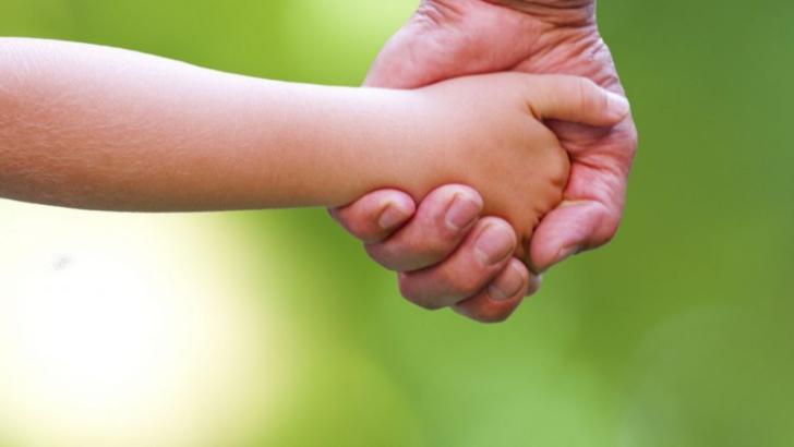 Cum și-a salvat mama un copil de 4 ani