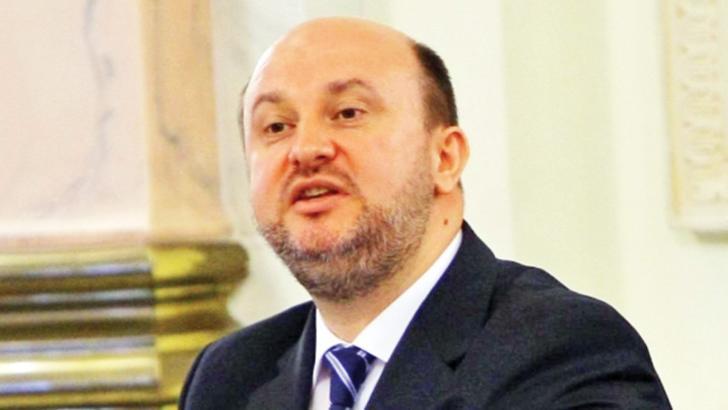 100% TU DECIZI! Păpușarul Daniel Chițoiu și ițele economice. Familie ucisă, de Crăciun, în accident