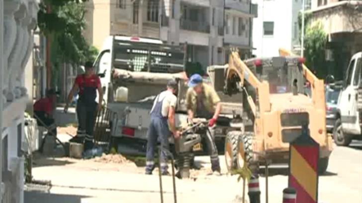 Șantier în centrul Capitalei: lucări care nu se mai termină, oameni revoltați - VIDEO