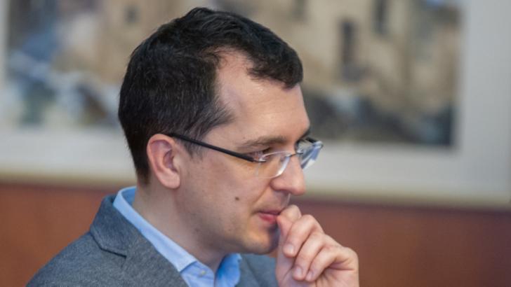 100% TU DECIZI! Vlad Voiculescu și rețeaua citostaticelor. Bântuit de relația de rudenie cu foști securiști
