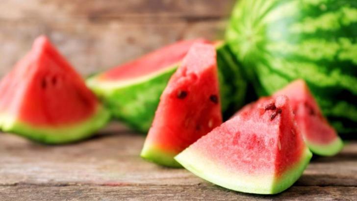 Top 5 cele mai bune fructe de consumat pe timpul verii